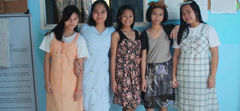 10, 11a in opvanghuis bahay silungan wonen 17 meisjes