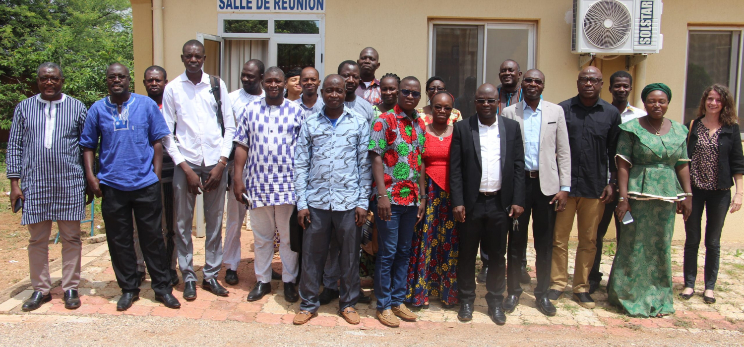 Meeting to validate a study with civil society
