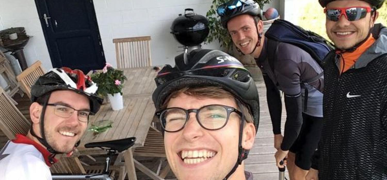 """""""Een gave uitdaging voor een belangrijk doel."""" Deze vrienden beklimmen de Mont Ventoux!"""