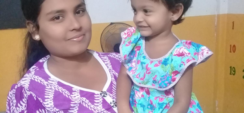 Uthayashanthi with her daughter