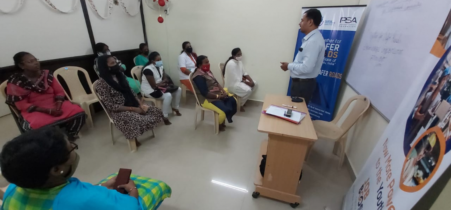 Womencab drivers training meet @ jobbooster office safety during covid times (3)