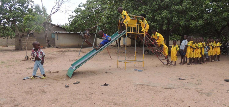Children playing (2)